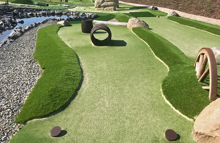 Bovenden Adventure Golf Spiel!Golf Minigolf Kunstrasen